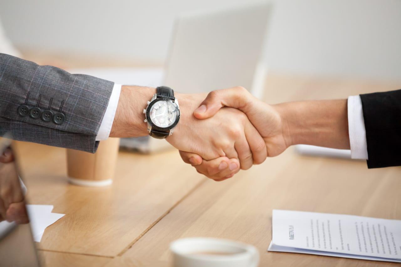 Como criar uma sociedade empresarial e quais são as vantagens deste tipo de negócio?